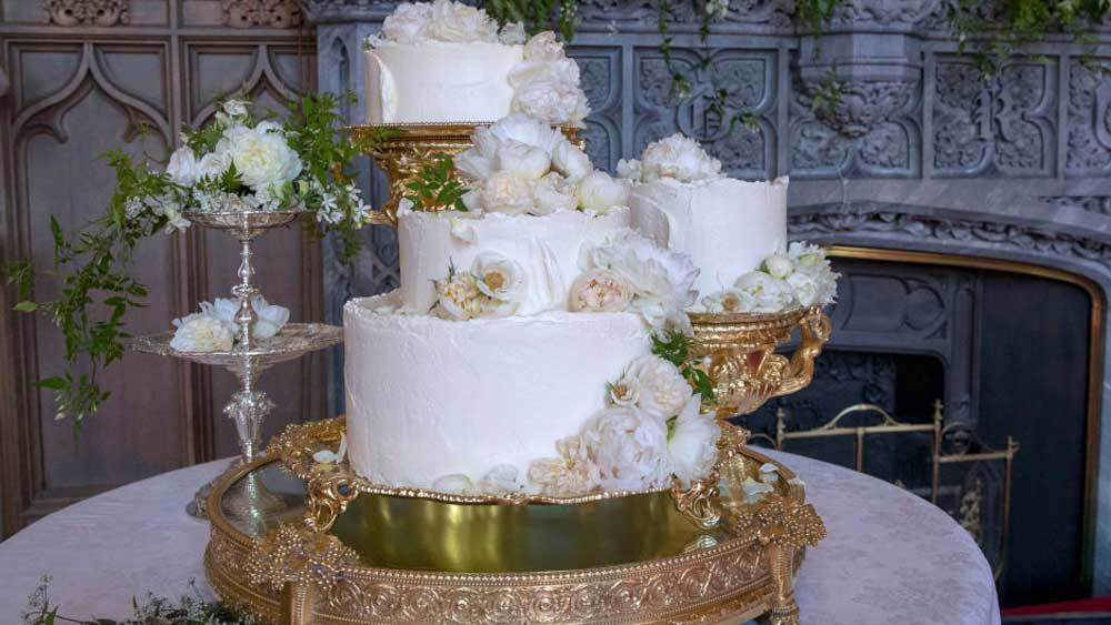 Lemon and elderflower royal wedding cake