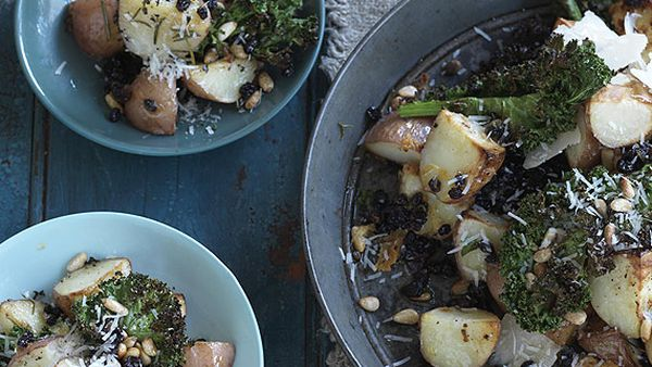 Tuscan potatoes with kale chips