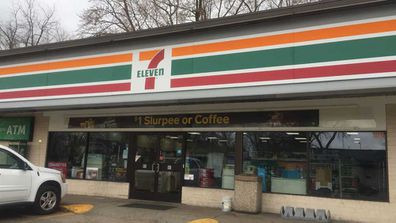 7 Eleven owner's gesture for shoplifter