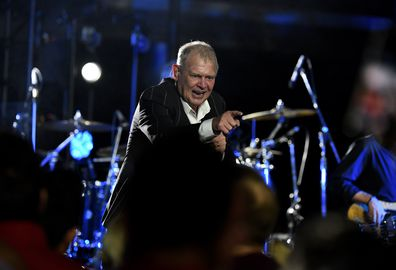 John Farnham, performs, on stage, concert
