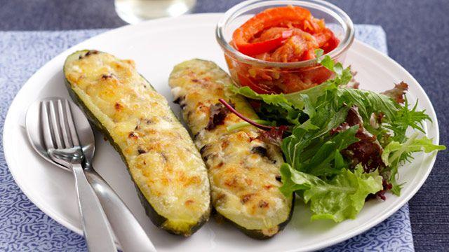 Stuffed zucchini with peperonata