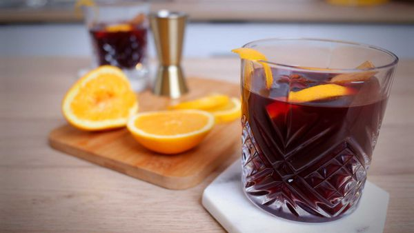 9Honey Every Day Kitchen: Nothing warms like a mug of mulled wine