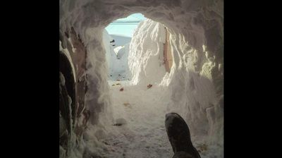 One Buffalo man was forced to dig his way out of his home. (@WxmanFranz - Twitter)