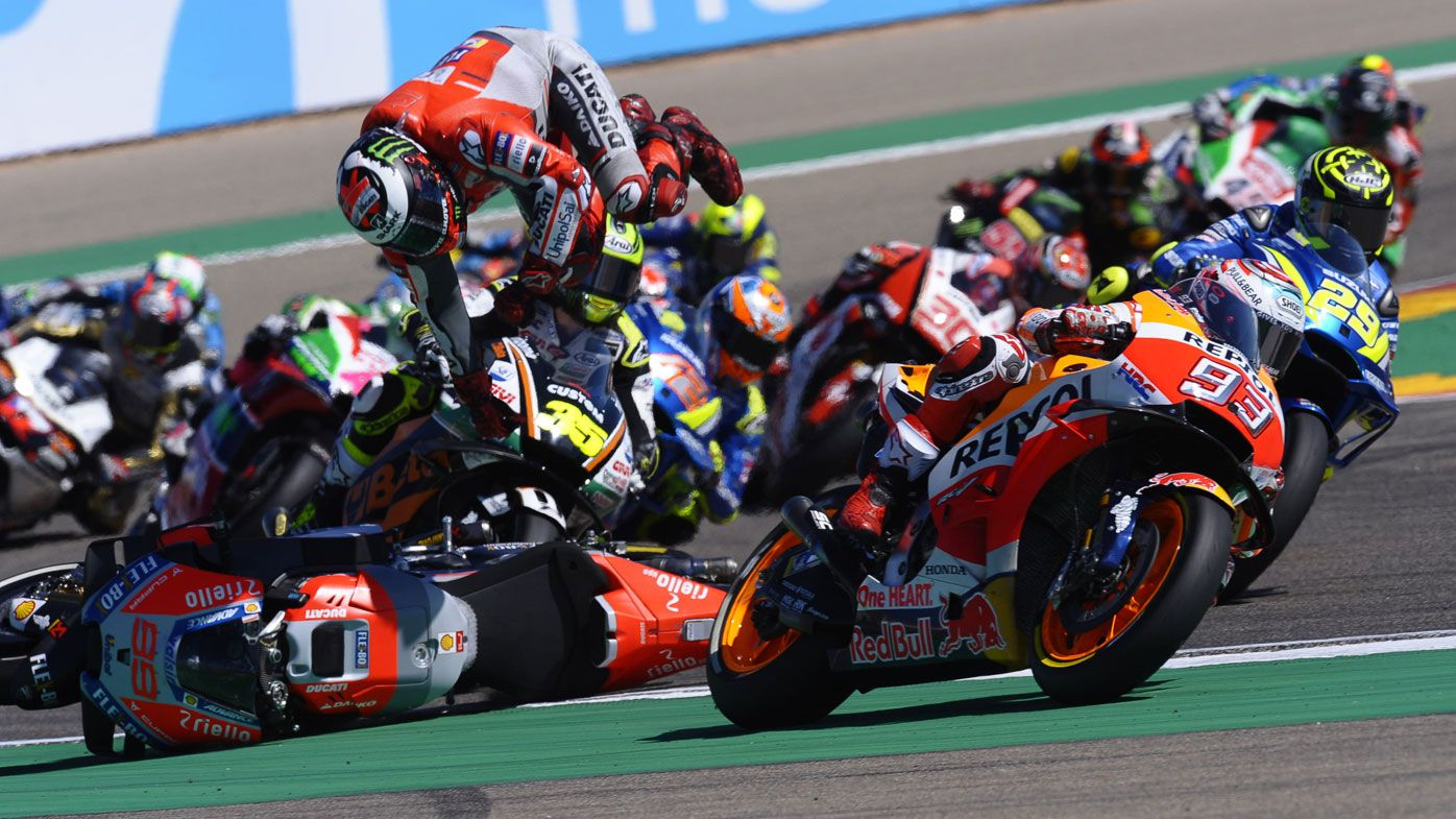 Marc Marquez extends lead after Jorge Lorenzo crashes out at Aragon MotoGP