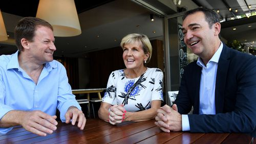 South Australian Liberal leader Steven Marshall (right) is seen with Minister for Foreign Affairs Julie Bishop (centre) and Liberal candidate for Heysen Josh Teague in Stirling on Sunday. (AAP)