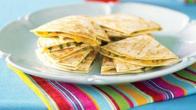 """Recipe:<a href=""""http://kitchen.nine.com.au/2016/05/13/11/09/quesadilla"""" target=""""_top"""" draggable=""""false"""">Quesadilla</a>"""