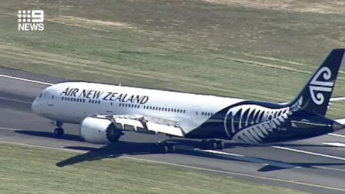 New Zealand flights land in Melbourne as Victoria joins travel bubble