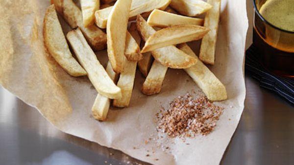 Chips with smoked cumin salt and aïoli