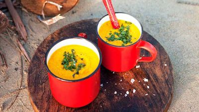 Carrot, ginger and honey soup