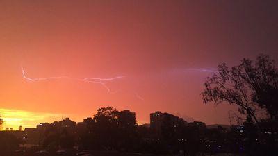 """<br> """"Sunset vs Storm #bnestorm #brisbane #westend"""". (Twitter/@yvetteforrester)"""
