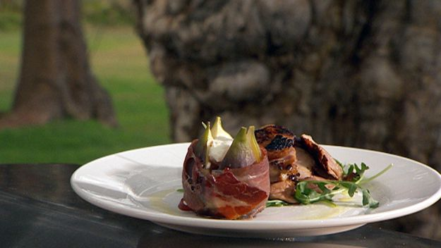 Barbecue quail with baked figs, prosciutto & rocket