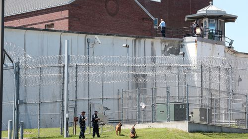 Killers on the run after escaping New York maximum security prison