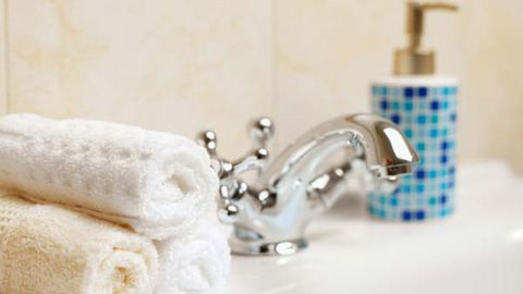 Mosiac tiles are a great way to add colour to a bathroom (Thinkstock)