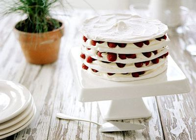 "<a href=""http://kitchen.nine.com.au/2016/05/19/16/08/meringue-stack-with-raspberries-and-cream"" target=""_top"">Meringue stack with raspberries and cream</a>"