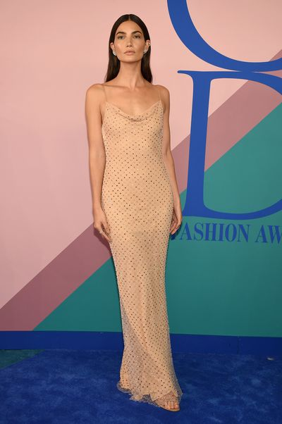 Lily Aldridge in Jason Wu at the 2017 CFDA Awards.