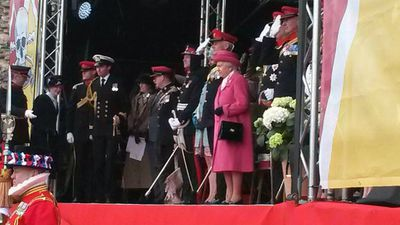 The Queen has worn pink in honour of her new great-granddaughter. (9NEWS)