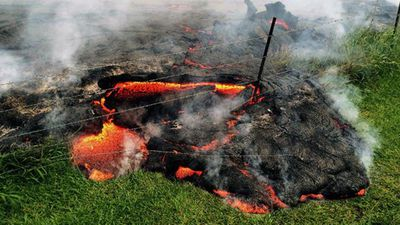 Federal US resources are needed to contain the emergency, Hawaii Governor Neil Abercrombie has said. (Getty)