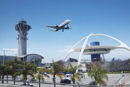 6. Los Angeles International Airport (LAX): Connectivity index: 257. Dominant carrier: American Airlines (21% share).