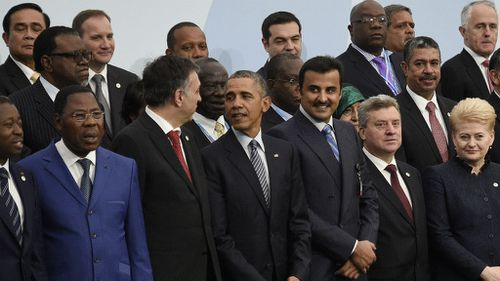 Cracks emerge between nations at Paris climate change summit