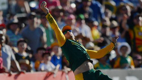 Finch hits century as Australia beat South Africa in third ODI