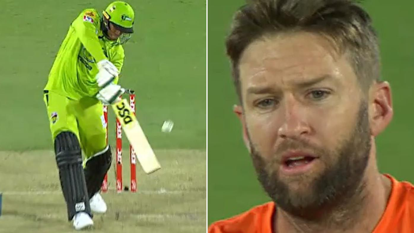 Cricket stunned by BBL umpiring howler, renewing calls for DRS in T20 tournament