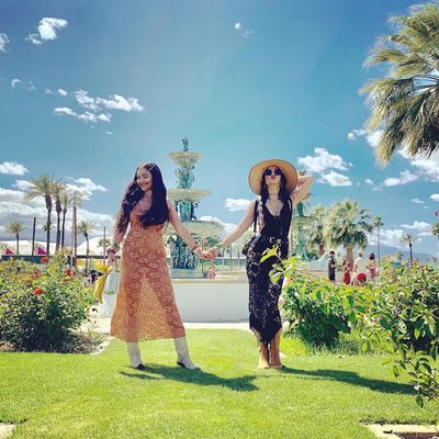 Vanessa and Stella Hudgens
