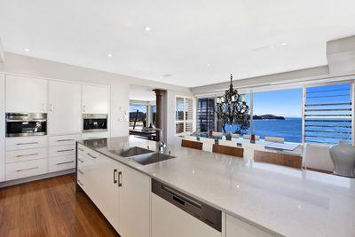 Broadcaster Alan Jones Sells Avoca Apartment 9homes