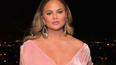 "Earlier this week:&nbsp;<a href=""https://kitchen.nine.com.au/2018/01/09/14/49/chrissy-teigen-loves-mcdonalds"" target=""_top"">Chrissy Teigen is the new face of McDonald's dollar menu…</a>"