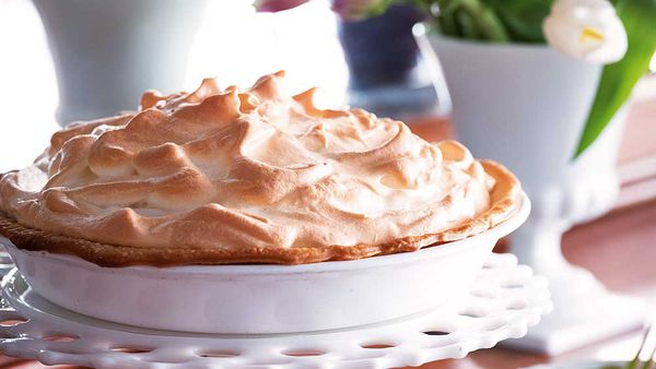 Reese Witherspoon's Mile-High lemon pie