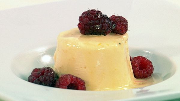 Lemon semifreddo with vodka syrup