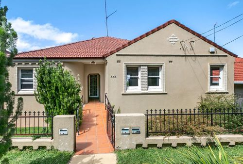 $1m in Maroubra, Sydney also buys you a two bedder, with a small courtyard.