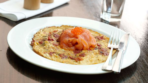 Chackchouka omelette with smoked salmon, salmon roe and za'atar