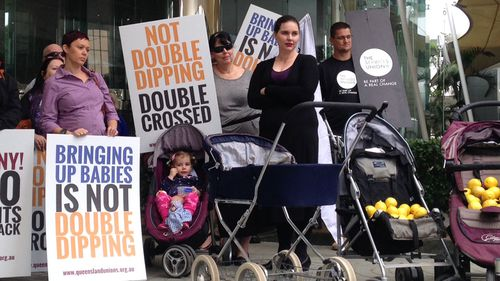 Abbott's parental leave scheme 'a lemon'