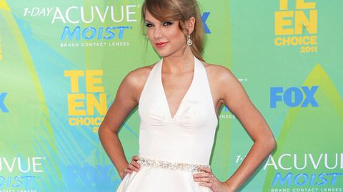 Uh Oh! Taylor Swift has a wardrobe malfunction