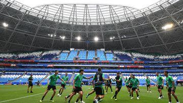 The Socceroos train at Cosmos Arena in Samara. (AAP)