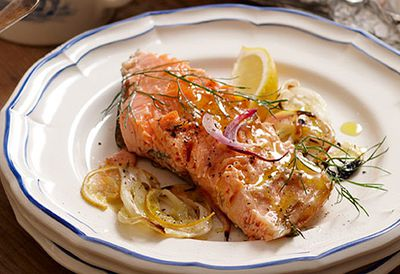 Roasted salmon with fennel and lemon