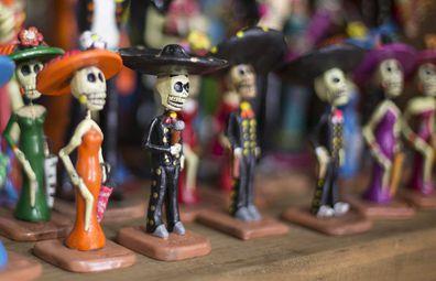 Traditional Dia de los Muertos figurines