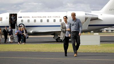 Meghan Markle and Prince Harry at Dubbo City Regional Airport, Wednesday 17 2018