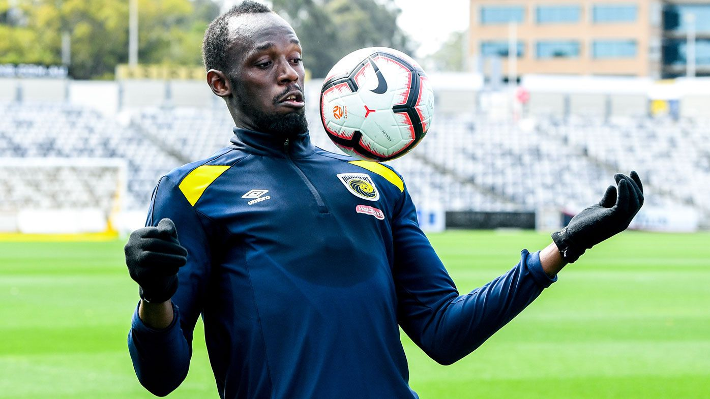 Usain Bolts trains with the Central Coast Mariners