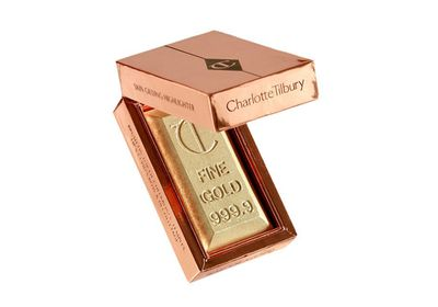 "<a href=""http://www.charlottetilbury.com/au/the-bar-of-gold.html"" target=""_self"">Bar of Gold Skin Gilding Highlighter, $64, Charlotte Tilbury</a>"