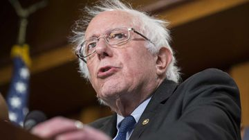 Bernie Sanders has apologised to women who were sexually harassed during his campaign.