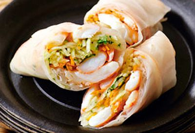 Prawn and papaya rice paper rolls