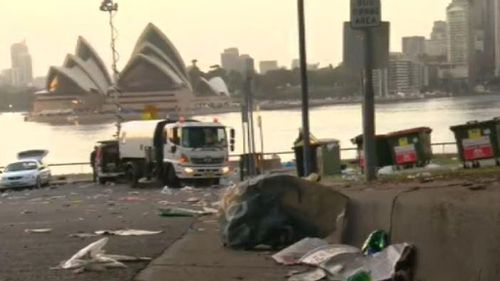 The clean up begins at Sydney Harbour. (9NEWS)
