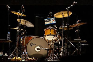 Keith Richards shared a photo of a drum kit on facebook to honour Charlie Watts.