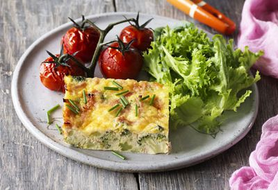 Broccoli, leek and ham frittata