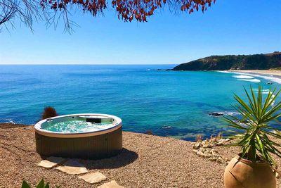 Lifetime Private Retreats' Cliff House