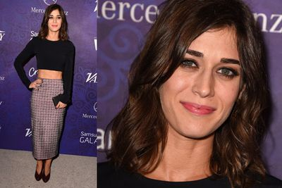 <i>Masters of Sex</i> star Lizzy Caplan rocked a midriff