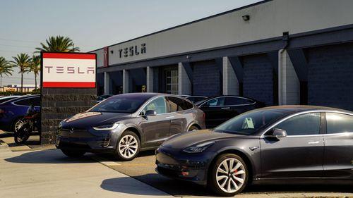 Tesla, Bazı Sürücüleri Oto Pilot Testinden Çıkarıyor