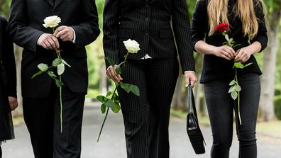 Father wants to bring new girlfriend to mothers funeral.