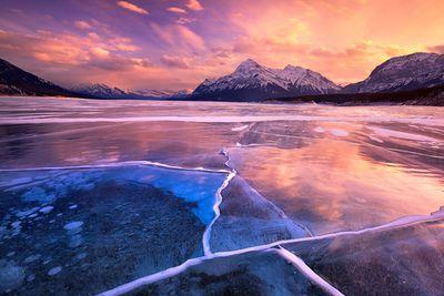 <strong>Abraham Lake, Alberta, Canada</strong>